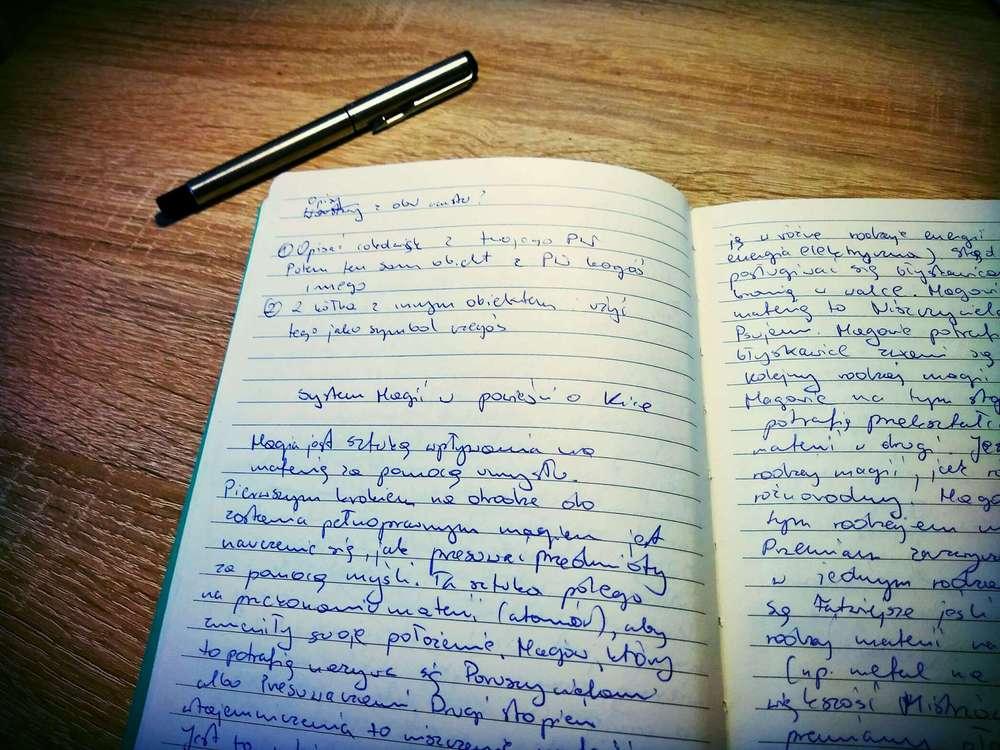 Notatki odręczne do systemu magicznego w powieści